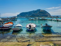 Италия. О. Сицилия. Порт Монделло. Boats in Mondello, near Palermo, Italy. Фото KURLIN_CAfE-Depositphotoss