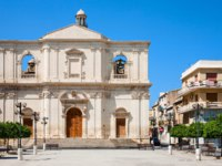 Италия. Сицилия. Ното. Travel to Italy - Chiesa del Santissimo Crocifisso (Church of the Crucifix) in Noto city in Sicily. Фото vvoennyy - Depositphotos