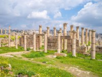 Клуб путешествий Павла Аксенова. Иордания. Джераш. Baths of Placcus at Jerash, Amman, Jordan. Фото richie0703 - Depositphotos