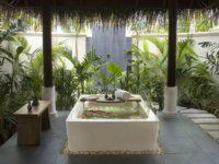 Мальдивы. Anantara Dhigu Resort & Spa, Maldives. Sunrise or Sunset Beach Villa Bathroom