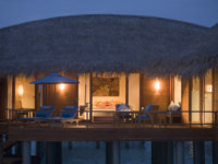 Клуб путешествий Павла Аксенова. Мальдивы. Anantara Dhigu Resort & Spa, Maldives. Sunrise Overwater Suite exterior night shot
