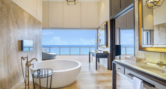 Мальдивы. The St. Regis Maldives Vommuli Resort. John Jacob Astor Estate - Master Bathroom