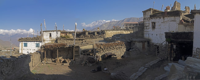 Клуб путешествий Павла Аксенова. Непал. Гималаи. Nepal, mustang, village mountain landscape annapurna travel nature. Фото ira410 - Depositphotos