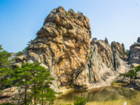 Северная Корея. Алмазные горы. Incredible spectacular view of the stone formations of the Mount Kumgang in Kangwon-do, North Korea. Фото Siempreverde - Depositphotos
