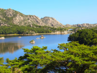 Северная Корея. Samil lake, Kangwon Province, North Korea (DPRK). Фото frenta - Depositphotos