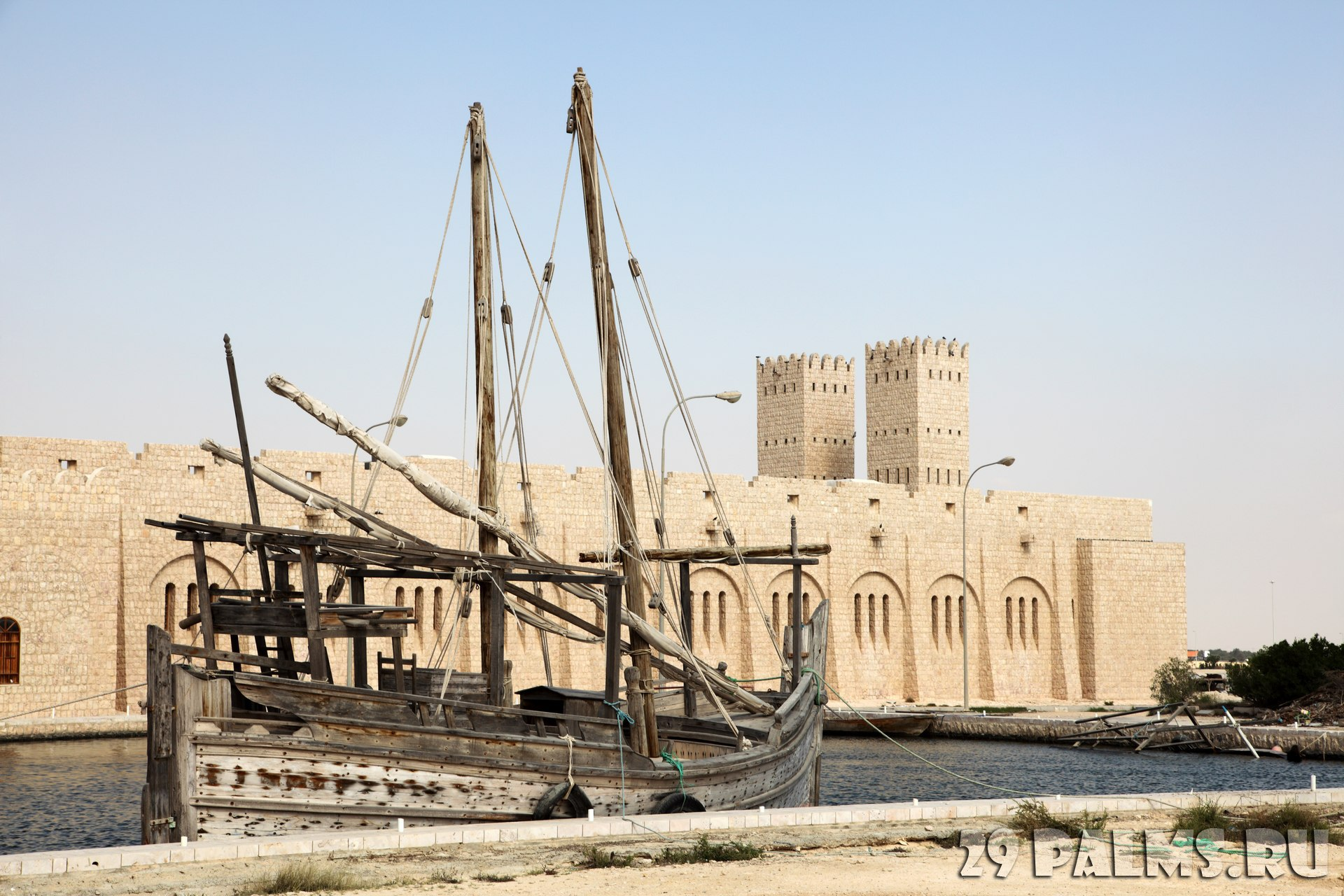 Клуб путешествий Павла Аксенова. Катар. Музей шейха Фейсала. Sheikh Faisal Museum. Qatar. Фото philipus - Depositphotos