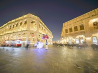 Катар. Доха. Рынок Сук-Вакиф. Night scene long exposure in Souq Waqif. Doha, Qatar. Фото brians101 - Depositphotos