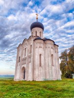 Боголюбово. Church of the Intercession on the Nerl. Built in 12th century. Bogolyubovo, Vladimir region, Golden Ring of Russia. Фото Laures - Depositphotos