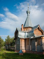 Большие Дорки. Никольская церковь. Image of small wooden church at Sergeevo, Palekh, Vladimir region, Russia. Фото sietevidas - Depositphotos