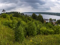 Золотое кольцо России. Плес. View of the Volga River from Levitan Mountain on a summer cloudy day, Plyos, Ivanovo Region, Russia. Фото svn48 - Depositphotos