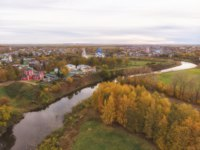 Золотое кольцо России. Суздаль. Churches and river in Suzdal in the fall. Shooting from the drone. gold ring of Russia. Фото Lenorlux - Depositphotos