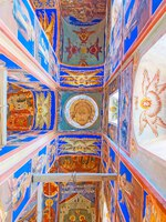 Суздаль. Traditional Orthodox decoration of the prayer hall of Nativity Cathedral in Suzdal Kremlin-the colored walls are covered with icons in Suzdal. Фото efesenko-Dep