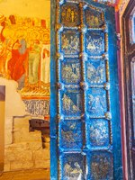 Золотое кольцо России. Суздаль. The open golden door of Nativity Cathedral in Kremlin was created by using difficult technique in Suzdal. Фото efesenko-Dep