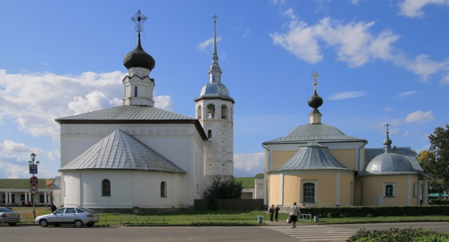 Суздаль. Воскресенская и Казанская церкви. Churches Resurrection&Kazan(Suzdal). Автор Ludvig14, www.commons.wikimedia.org
