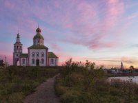 Суздаль. Церковь Ильи Пророка на Ивановой горе. Suzdal, Ilinsky church in autumn sunrise. Russia. Фото Lenorlux - Depositphotos