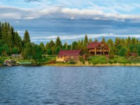 Клуб путешествий Павла Аксенова. Россия. Карелия. Остров Кижи. Houses on Onega Lake and the Nature of Karelia, Kizhi, Russia. Фото erix2005 - Depositphotos