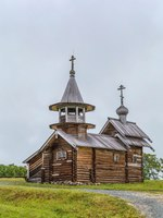 Россия. Карелия. Остров Кижи. Historical site dating from the 17th century on Kizhi island, Russia. Chapel of the Archangel Michael. Фото borisb17-Depositphotos