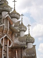 Россия. Карелия. Остров Кижи. Domes famous wooden Church of the Transfiguration in the architectural museum on Kizhi Pogost. Фото ppl1958-Depositphotos