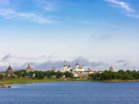 Россия. Соловецкие острова. Spaso-Preobrazhensky Solovetsky monastery from the White sea, Arkhangelsk oblast, Russia. Фото svn48-Depositphotos