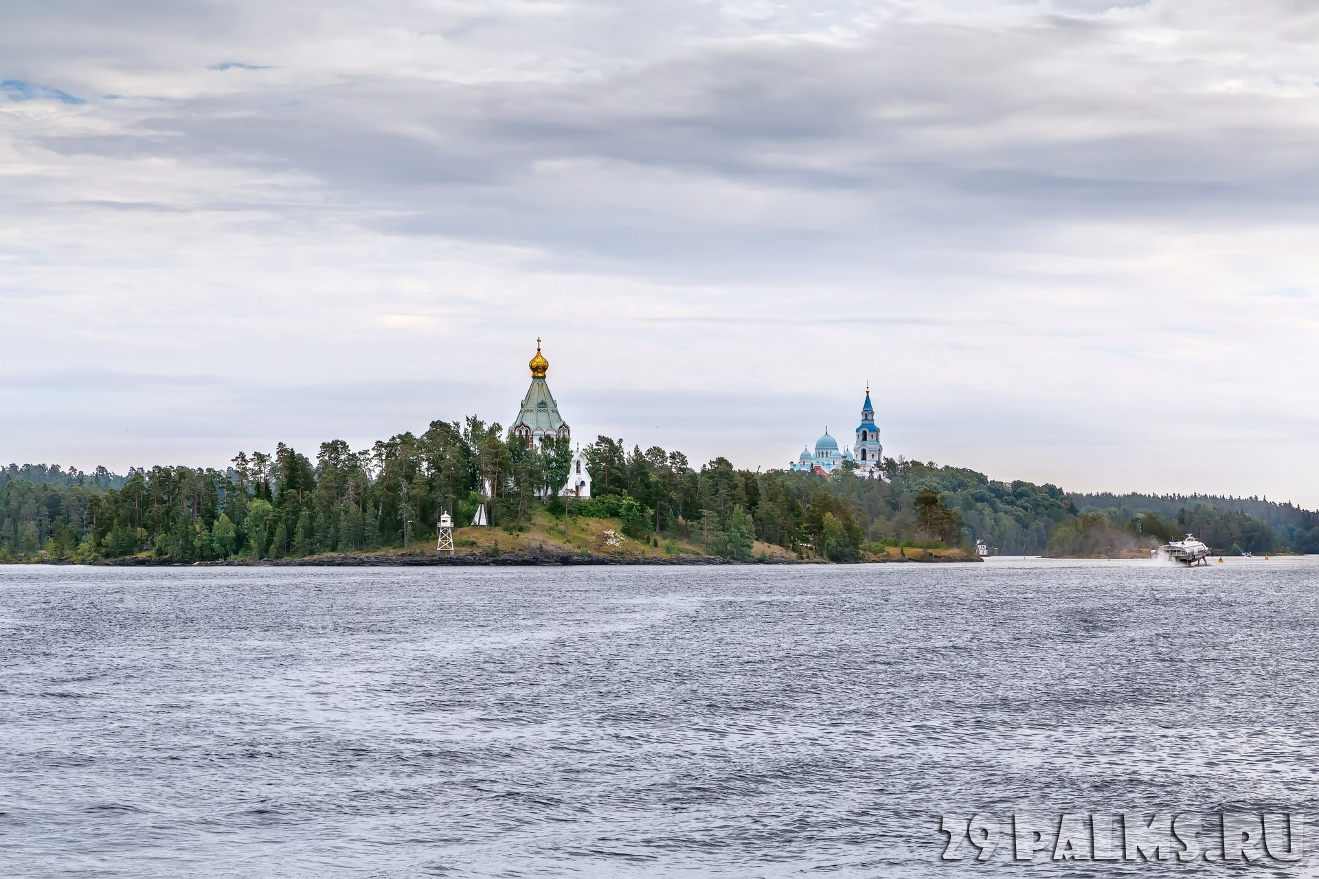 Клуб путешествий Павла Аксенова. Россия. Карелия. Остров Валаам. View of Valaam Island from ladoga lake, Russia. Фото borisb17-Depositphotos