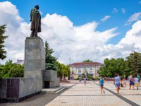 Россия. Крым. Город-герой Керчь. Monument to Lenin in Kerch, Crimea. Фото Yakov_Oskanov - Depositphotos