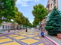 Россия. Крым. Город-герой Керчь. The pedestrian street in Kerch. Russia. Фото Yurriy - Depositphotos