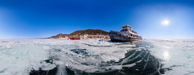Россия. Озеро Байкал. Old rusty ship on the coast of Lake Baikal among ice. Panorama 360 degree equirectangular horizont. Фото kirzaa@mail.ru - Dep