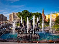 Клуб путешествий Павла Аксенова. Россия. Москва. Александровский сад. Fountain Four Seasons on Manezh Square in Moscow, Russia. Фото prescott10-Deposit