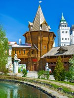 The Izmailovsky Kremlin is the best place to admire the traditional Russian architecture, Moscow. Russia. Фото efesenko-Depositphotos
