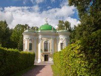 Россия. Москва. Усадьба Кусково. The house of hermit in Kuskovo park. House of hermit has been used as dining room. Moscow. Фото anrymoscow-Depositphotos
