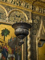 Интерьер Храма Василия Блаженного. Icon and ornaments on the interior walls of Saint Basil's Cathedral, the world famous orthodox church in the Red Square. Moscow