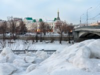 Россия. Омск. View on the town and frozen river in winter. Omsk, Russia. Фото Elf+11 - Depositphotos