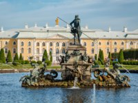 Россия. Санкт-Петербург. Петергоф. Фонтан Нептун в Вернем саду. The fountain of Neptune in the top park Peterhof. Russia. Фото Valegorov - Depositphotos