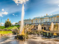Россия. Санкт-Петербург. Петергоф. Фонтан Самсон. Samson Fountain in Peterhof Palace, Saint Petersburg. Russia. Фото marcorubino - Depositphotos