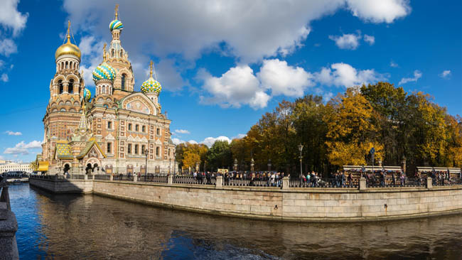Россия. Санкт-Петербург. Канал Грибоедова. The Church of the Savior on Spilled Blood is one of the main sights of Saint Petersburg, Russia. Фото gumbao-Depositph