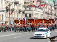 Россия. Санкт-Петербург. Демонстрация на Невском проспекте. St.Petersburg, Russia-9 May.Memory Action Immortal regiment in St. Petersburg. Фото nikey-D