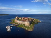 Крепость Орешек (Шлиссельбург). Aerial view on fortress Oreshek on island in Neva river near Shlisselburg town, Leningrad region, Russia. Фото Kokhanchikov - Depositphotos