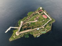 Крепость Орешек (Шлиссельбург). Aerial view on fortress Oreshek near Shlisselburg. Russia. It is an object of UNESCO world heritage. Фото a_medvedkov - Depositphotos