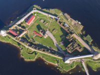 Крепость Орешек (Шлиссельбург). Aerial top view on fortress Oreshek on island in Neva river near Shlisselburg town, Leningrad region, Russia. Фото Kokhanchikov - Depositphotos