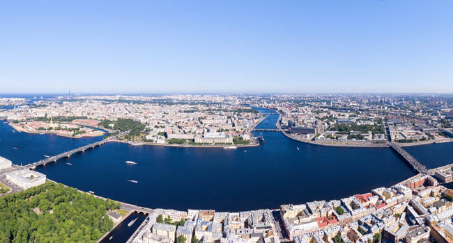 Россия. Панорама Санкт-Петербурга. Large panorama of the central part of the city. Neva River. Saint-Petersburg, Russia. Фото MaykovNikita - Depositphotos