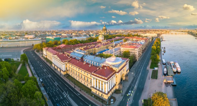 Россия. Санкт-Петербург. Панорама Адмиралтейства. Aerial view of Admiralty in center of Saint-Petersburg. Russia. Фото GrinPhoto - Depositphotos
