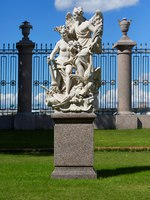 The sculpture Peace and Victory in the Summer Garden in Saint Petersburg, Russia. Sculptor P. Baratta (Italy, 1725). Фото trofoto - Depositphotos
