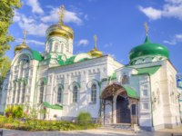 Россия. Татарстан. Раифский Богородицкий монастырь. Троицкий собор. Bogoroditsky monastery male Raifa Kazan Russia. Фото SergeyS - Depositphotos