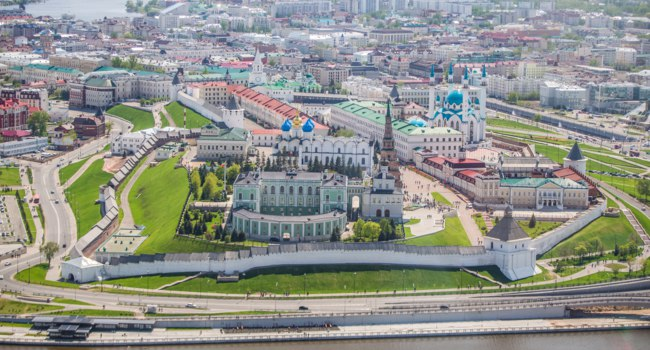 Россия. Татарстан. Панорама Казанского кремля. Bird's-eye view of the Kazan Kremlin. Kazan. Tatarstan. Russia. Фото elenazhuperina@inbox.ru - Depositphotos