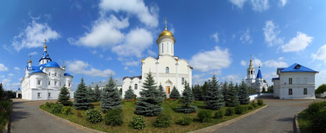 Россия. Татарстан. Казань. Зилантов Успенский монастырь. Panorama of Zilant's orthodox monastery in Kazan Russia. Фото Kokhanchikov - Depositphotos