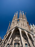 Барселона. Храм Святого Семейства (арх. А.Гауди). Sagrada Familia. Barcelona, Spain. Фото csakisti - Depositphotos