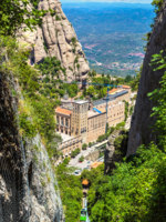 Клуб путешествий Павла Аксенова. Монастырь Монсеррат (исп. Monasterio de Montserrat). Santa Maria de Montserrat Monastery. Фото bloodua - Depositphotos