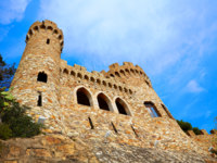 Испания. Каталония. Коста-Брава. Ллорет-де-Мар. Castle Sant Joan in Costa Brava, Lloret De Mar, Catalonia, Spain. Фото lunamarina - Depositphotos